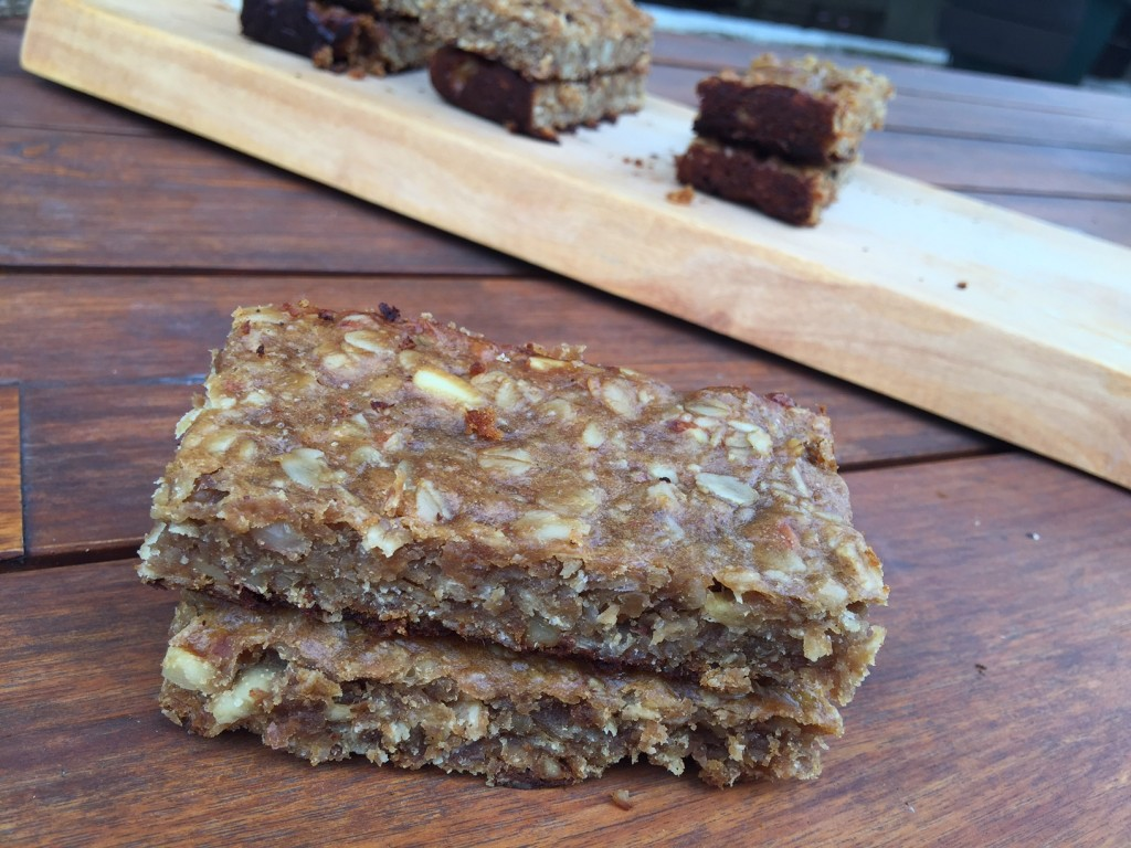 6 ingredient peanut butter banana protein bars
